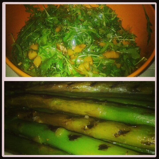 Sofie took care of the vegetables - asparagus and a salad of rocket and peach (with avocado and goat cheese on the side)