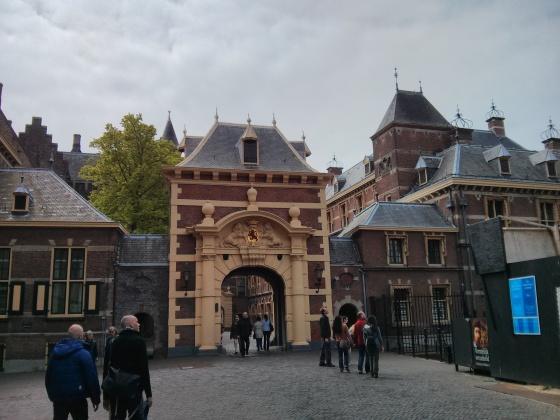 Entrance to the Binnenhof!