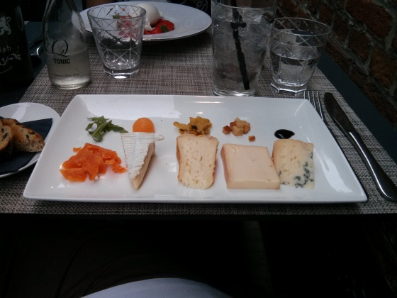 My delicious cheese plate for dessert!