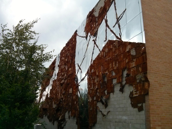 Broken Bridge II, 2012, El Anatsui