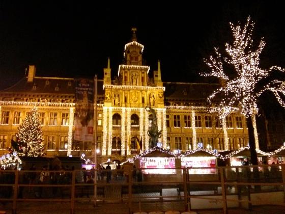 Grote Markt lit up