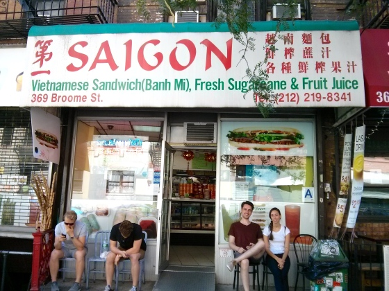 Koen and Christina in front of the best Vietnamese sandwich restaurant in Chinatown!