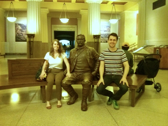 Koen and me sitting with Theodore Roosevelt in the Memorial Hall