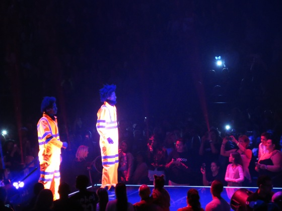 Les Twins dancing in the middle of the arena!