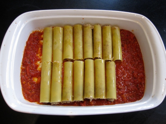 Filled cannelloni tubes