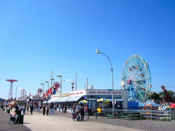 First glimpse at the Wonder Wheel, built in 1920