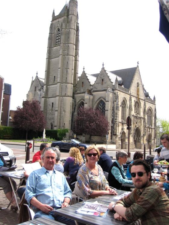 Lunch at Le Central with a beautiful view of the Église Saint-Jean-Baptiste de Péronne