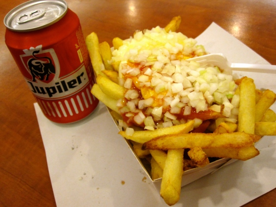 Friet Speciaal and a Jupiler