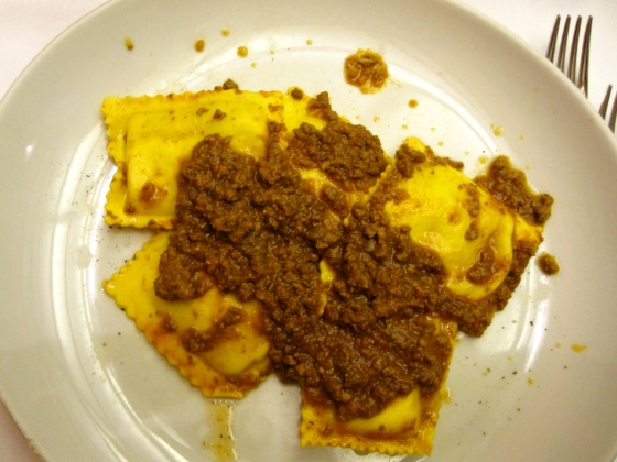 Koen's ravioli with meat sauce starter